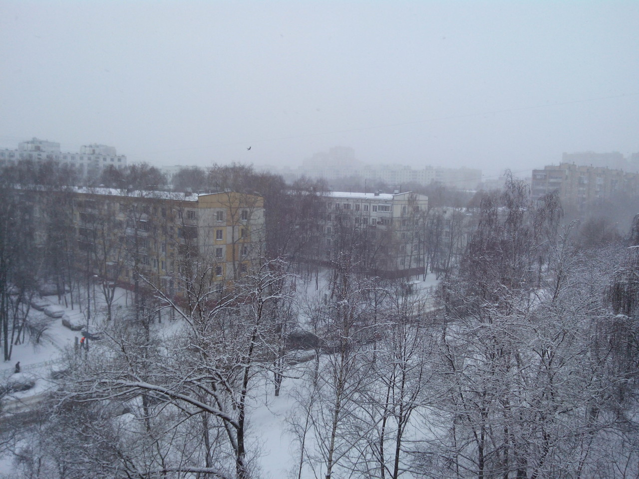 snow-april-Moscow