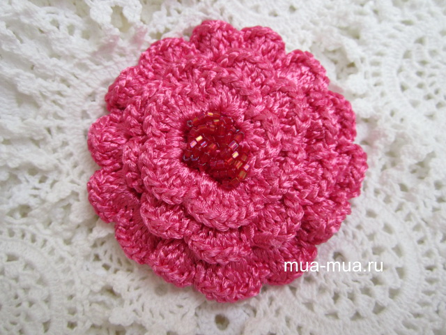 broch rose crotchet lace