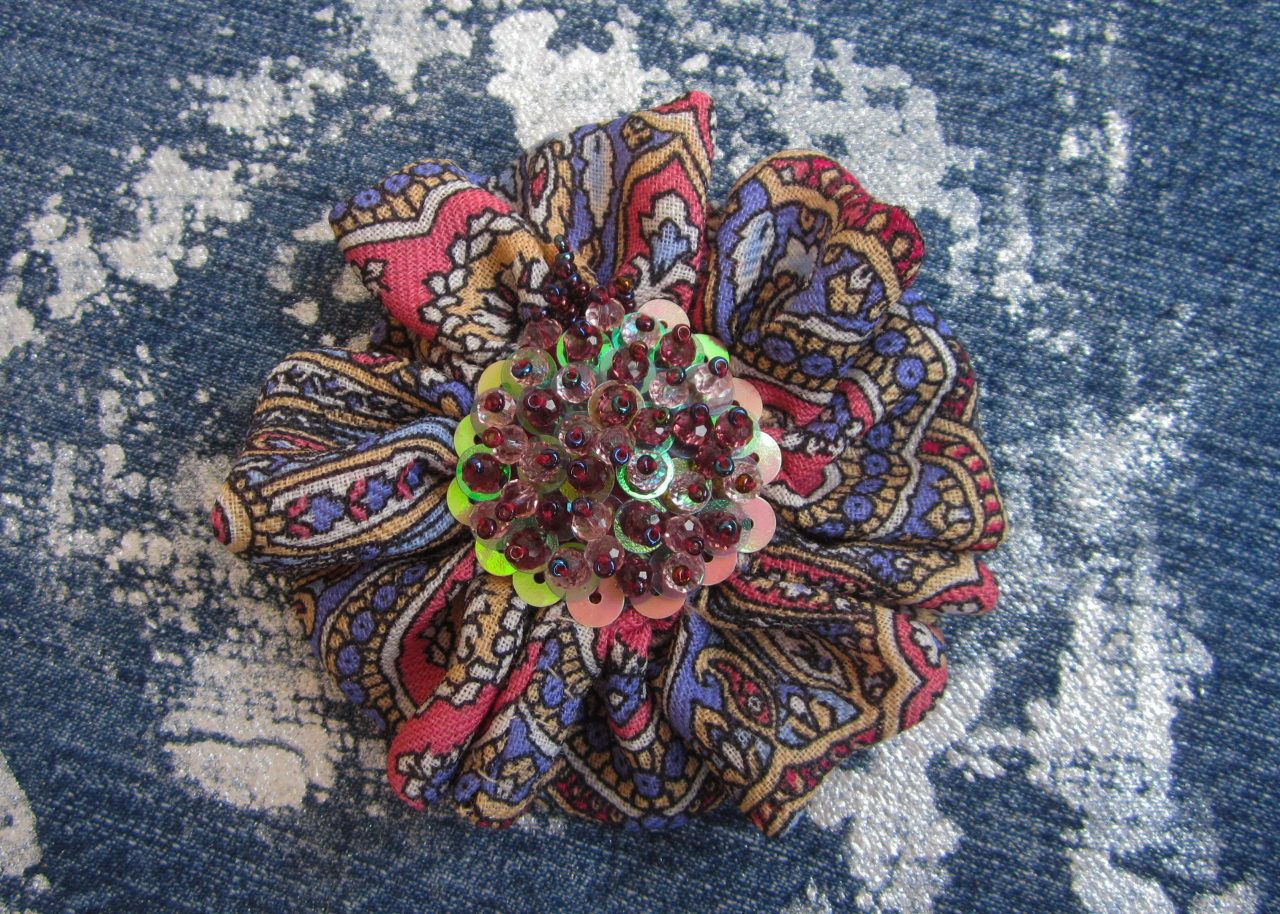 Brooch for present